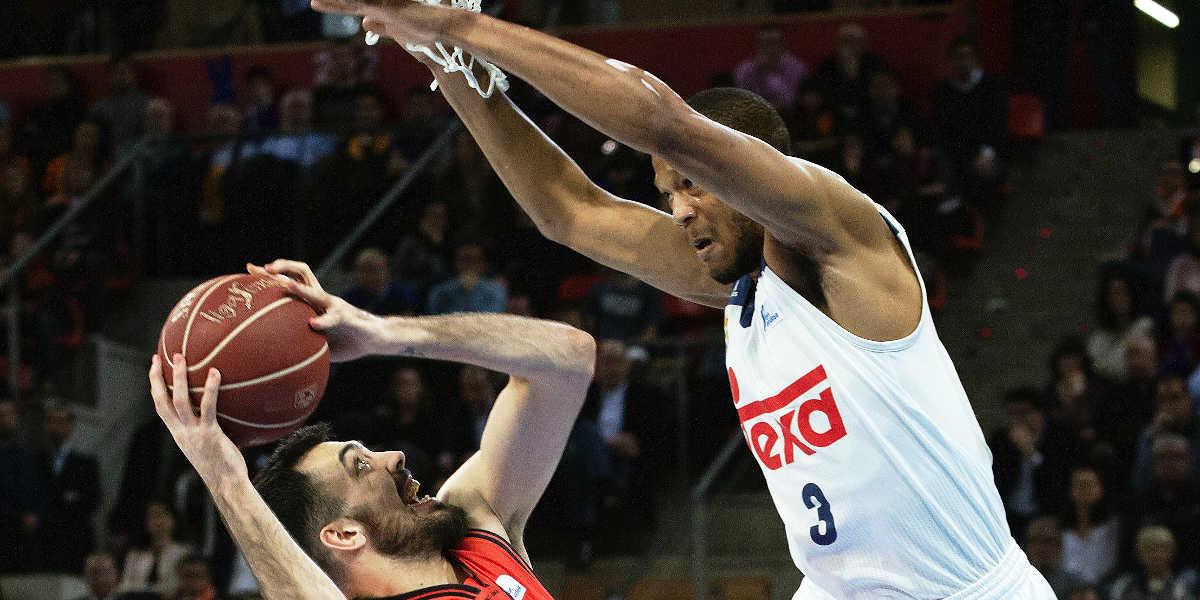Center defending basketball