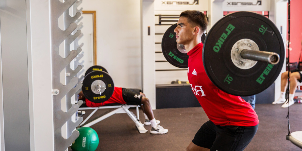 Risks of high muscle volume in football