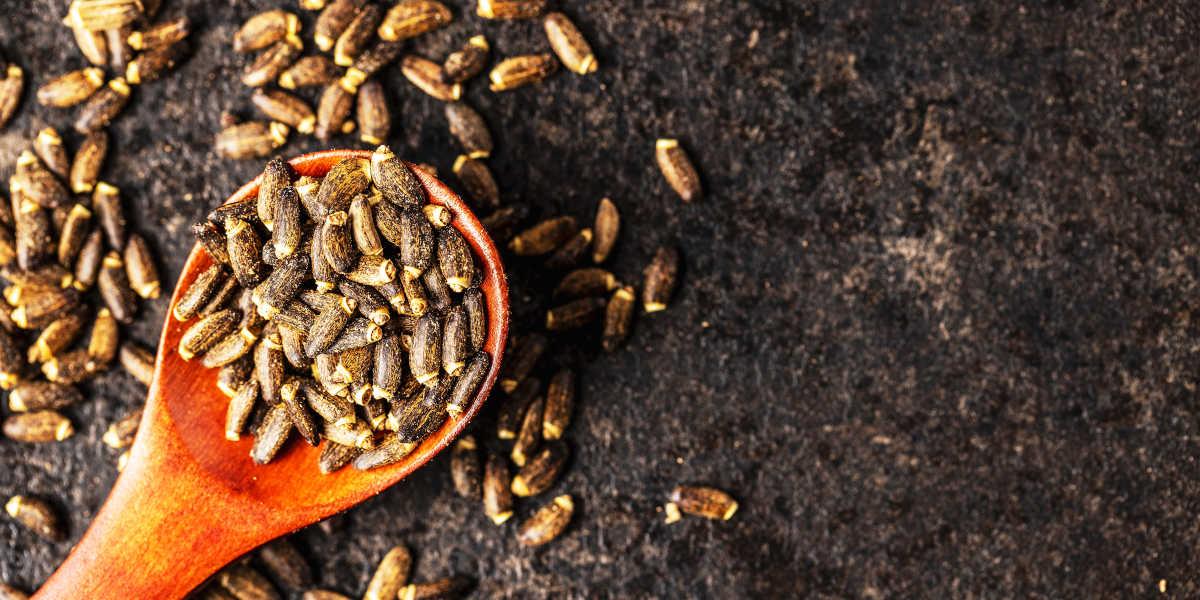Thistle seeds potassium